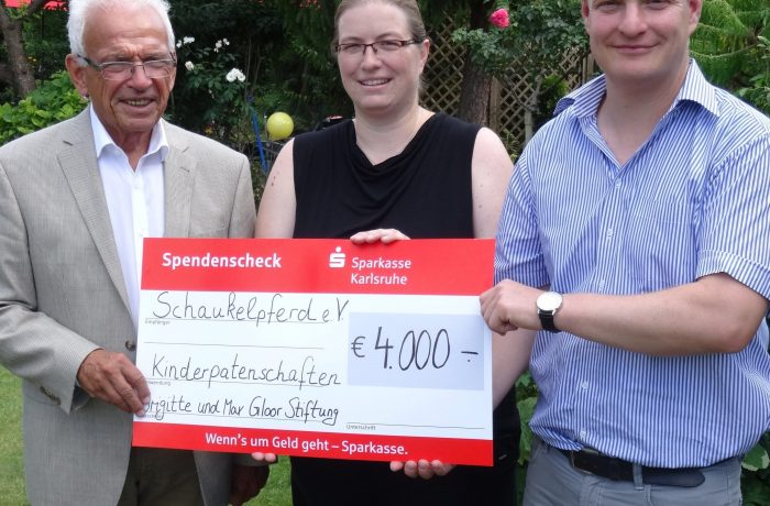 Spendenscheckübergabe Brigitte und Max Gloor Stiftung