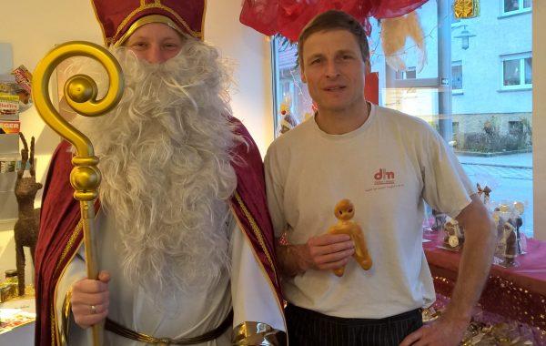 Nikolaus mit Markus Seeger, Inhaber und Bäckermeister der Bäckerei & Konditorei Seeger in Blankenloch
